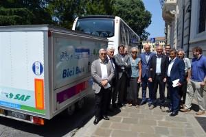 Bus con Fontanini, Mattiussi, Barbiero, Pizza, sindaci (Medium)
