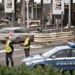 TRUFFA DEL RIMORCHIO PER NON PAGARE AUTOSTRADA, MA SI ACCODANO ALLA POLIZIA