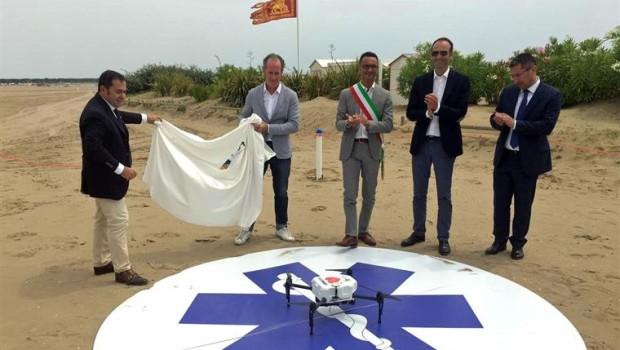 UN DRONE IN SPIAGGIA PER SALVARE VITE
