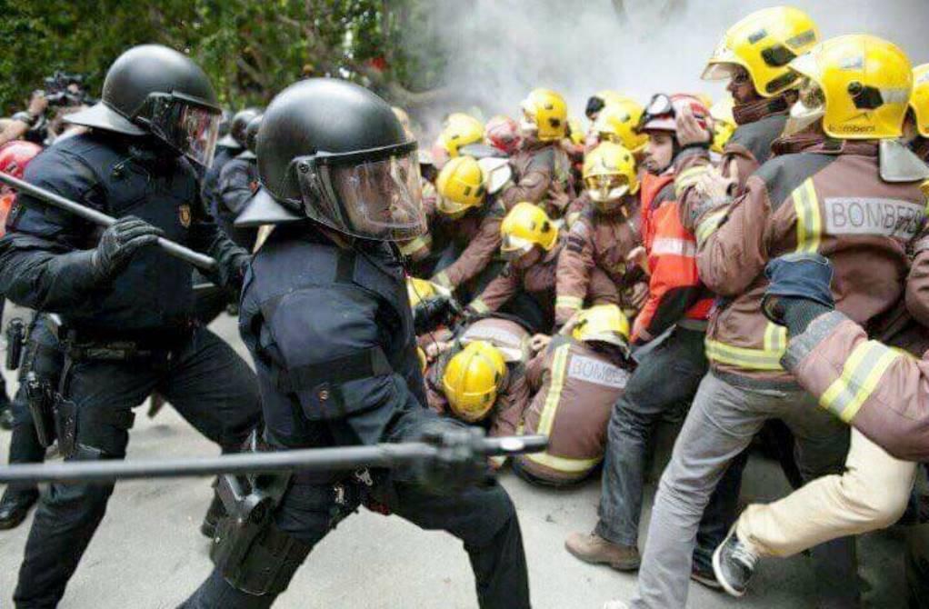 ern catalogna guardie contro pompieri