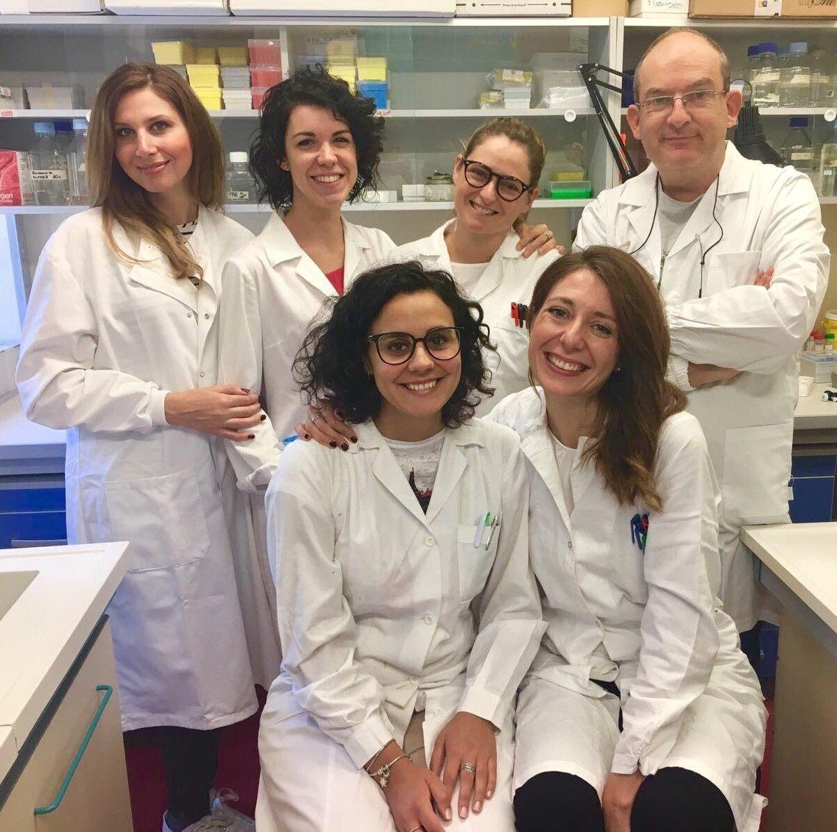 2. Da sinistra, in piedi Giovanna Mangiapane, Silvia Burra, Marta Codrich, Gianluca Tell; sedute Matilde Clarissa Malfatti, Giulia Antoniali
