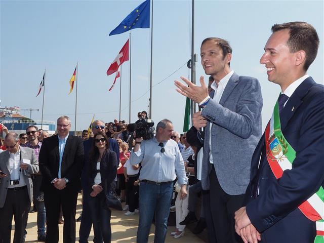 governatore Fedriga a inagurazione stagione Lignano (3) (Small)