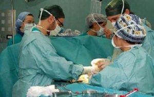 Straordinaria operazione chirurgica: gli amputano gli alluci e li innestano al posto dei pollici