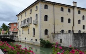 HAPPY BUSINESS TO YOU: A SACILE DA 10 PAESI DEL MONDO