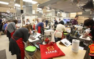 STARS COOKING: TORNA TIARE CHEF LAB